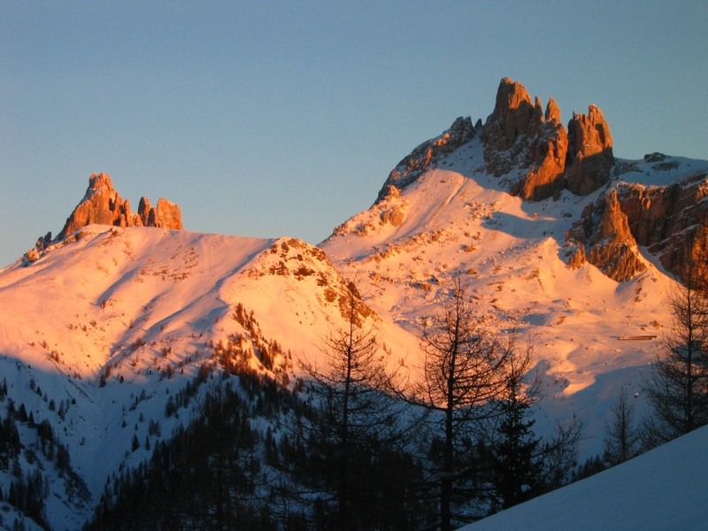arrive in Cortina Dolomites from the home