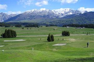 villa convenient for golf vacation