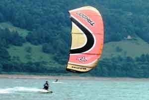 kitesurf lake santa croce