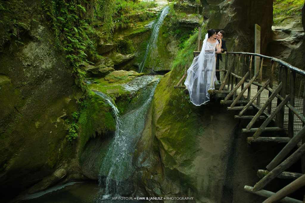 marries in the gorges of the caglieron