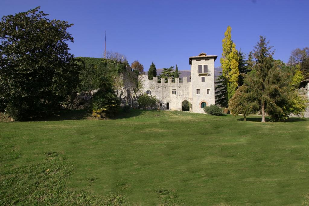 Near Dolomites Prestigious accommodation in Castle apartment