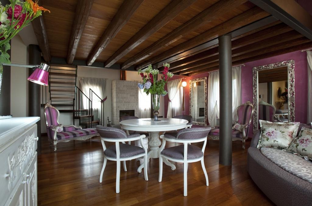comfortable luxury villa pool
