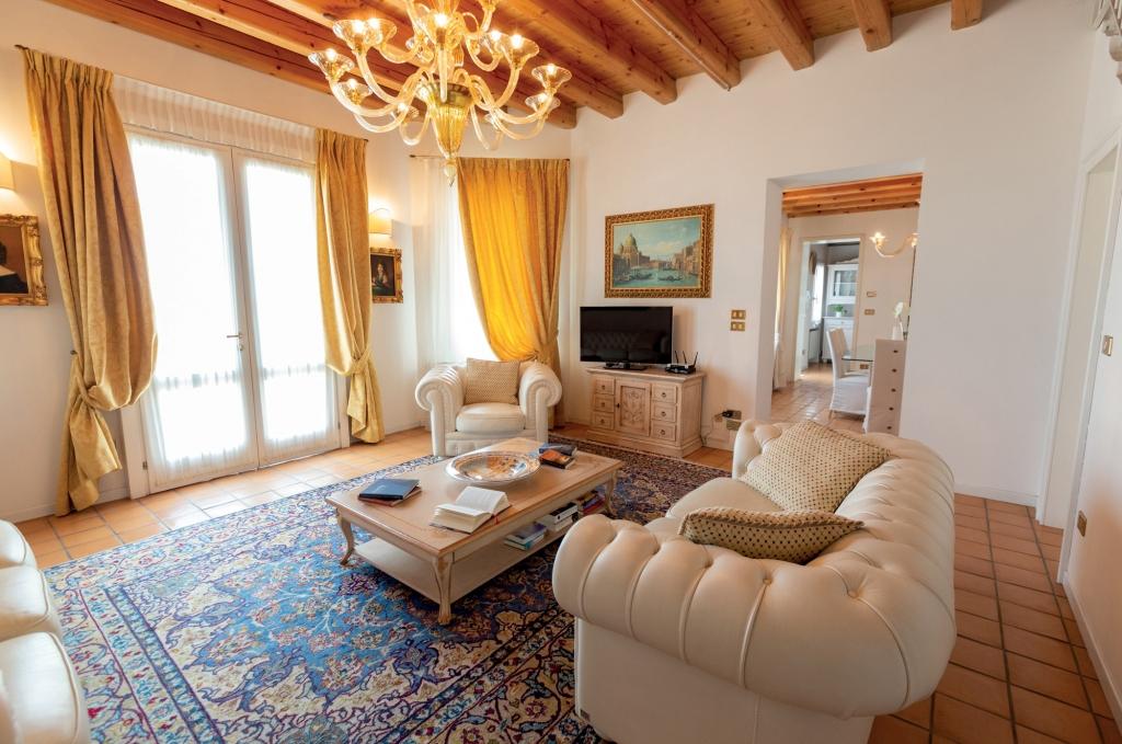 luxury villas with pool