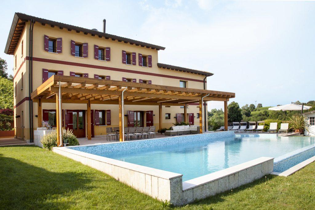 Luxury villa large groups