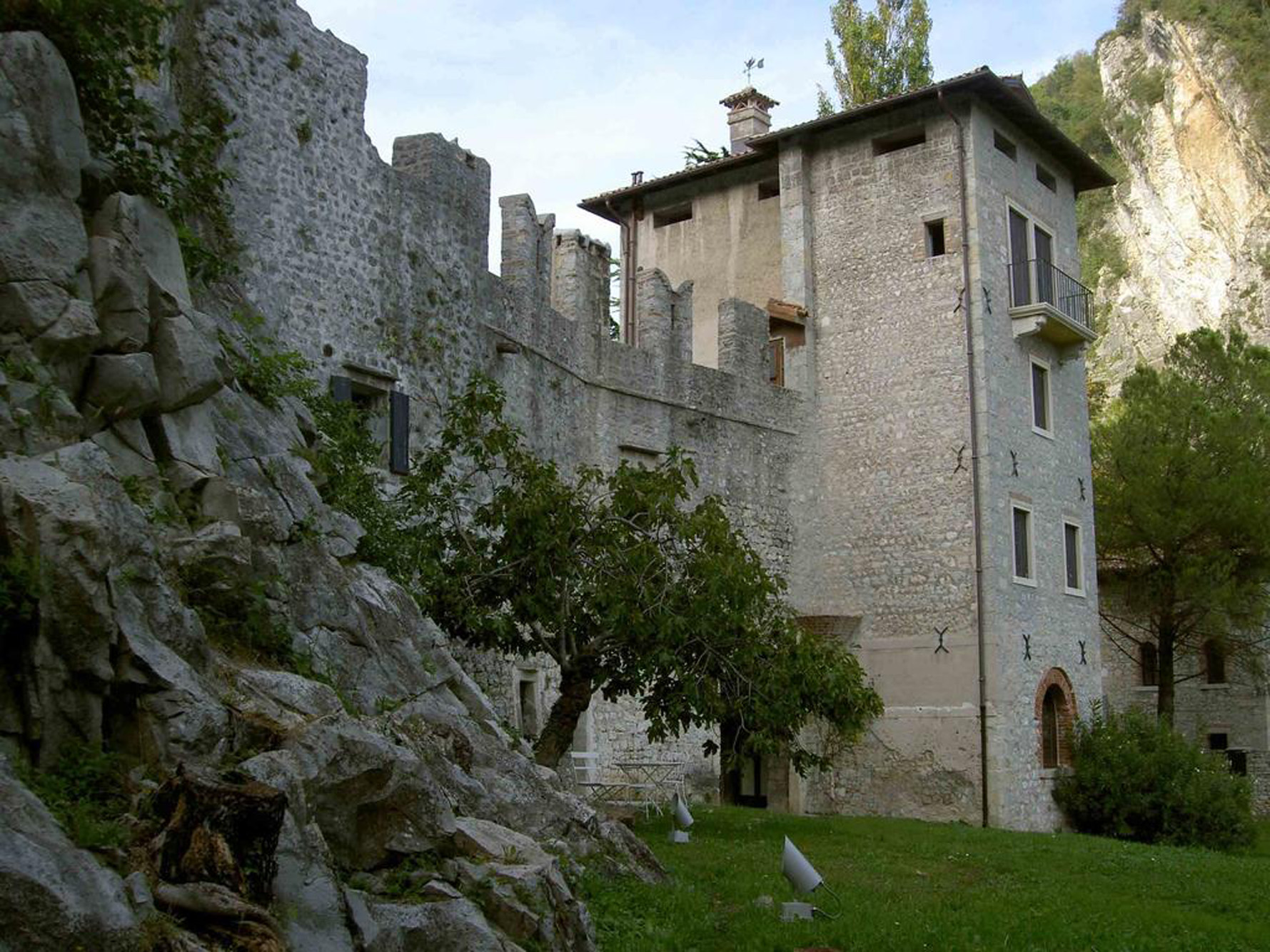 castle for rent in vittorio veneto