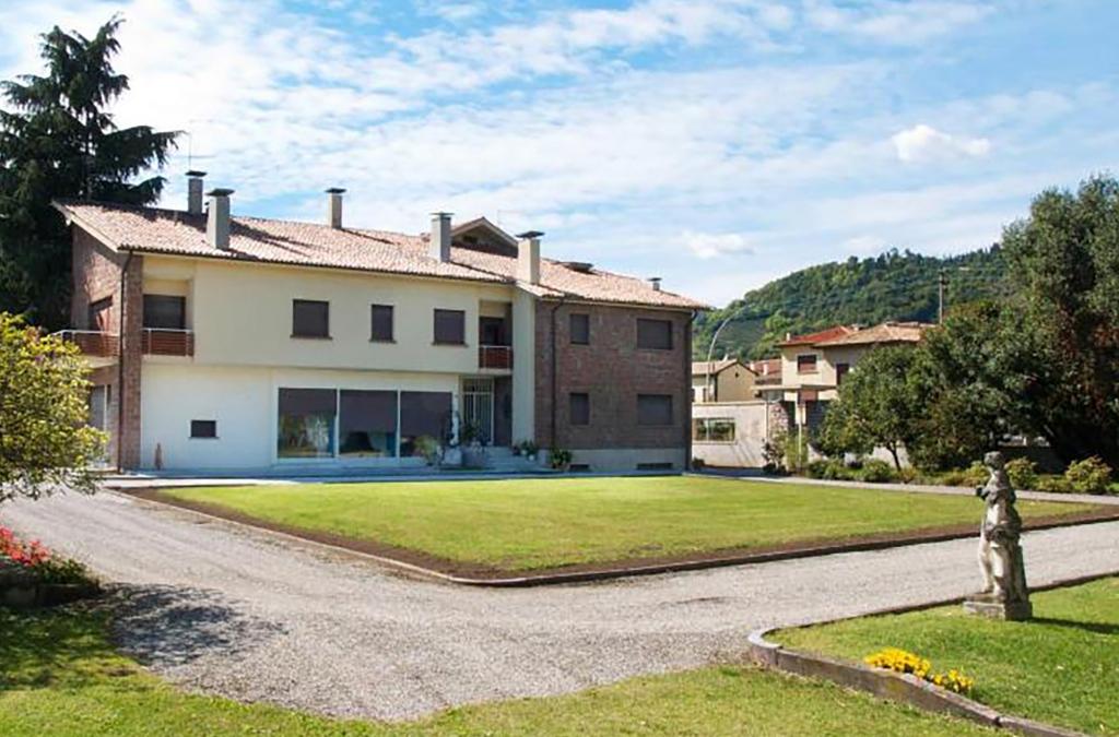 villa private swimming pool